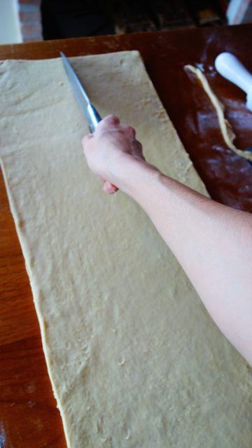 croissant foto 7 cortando a massa